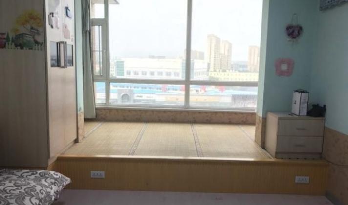 经开中东大市场 东润风景小区 1室1卫 41平米