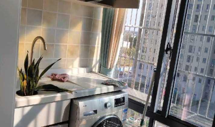 【港汇二手房】88平米72万港汇商务高楼全新装修未