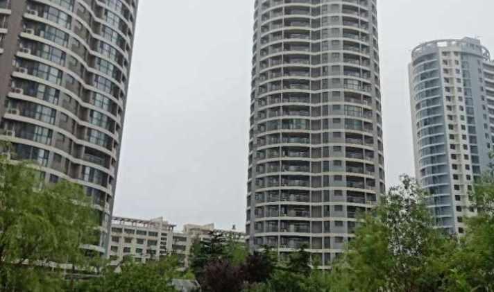 东港石臼 蓝天海景国际 3室3厅2卫 94平米