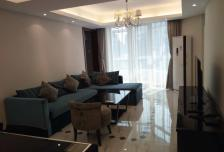 光耀公寓165㎡大三居,地理位置优越,商圈成熟,价格便宜