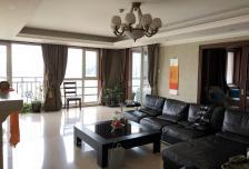 光彩国际公寓4室2厅2卫2阳台高档家私电,设施完善