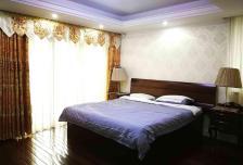 3室2厅2卫3阳台28000元/月,家具家电齐全好楼层