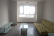 1室1厅1卫1阳台3600元/月超大阳台,周边配套齐全