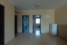 秀山公寓 90平米 3楼 2500元/月
