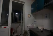 地铁出口联港家园C区3室1厅1卫1阳台精装急租