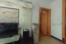 颐阳山水居东区两居室,二层。业主诚意出售